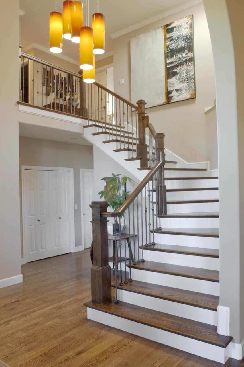 Оформление лестницы в доме фото