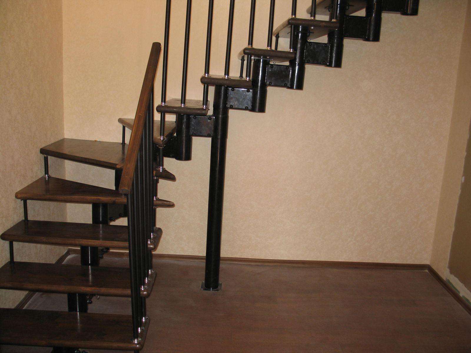 Как сделать лестницу с поворотом в 90 градусов