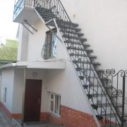 Наружные лестницы и ограждения из металла