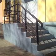 Ограждения лестниц металлические