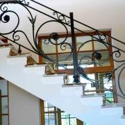 перила кованые для лестницы из металла